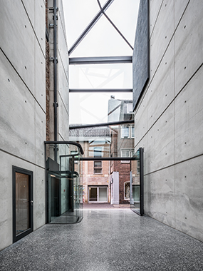Galerie Café Kapuzinergasse_Corneille Uedingslohmann Architekten_Fotogra.9..